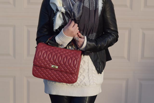 A Day In The Lalz; Cable Knit Sweater; Black Leather Jacket; Red Edie Handbag; Leather Leggings; Black Ray-Ban; Winter Look; Layers; Hijab Fashion; Haute Hijab Scarf; Modest Fashion; Hijabi; Fashion Blogger; Modest Style