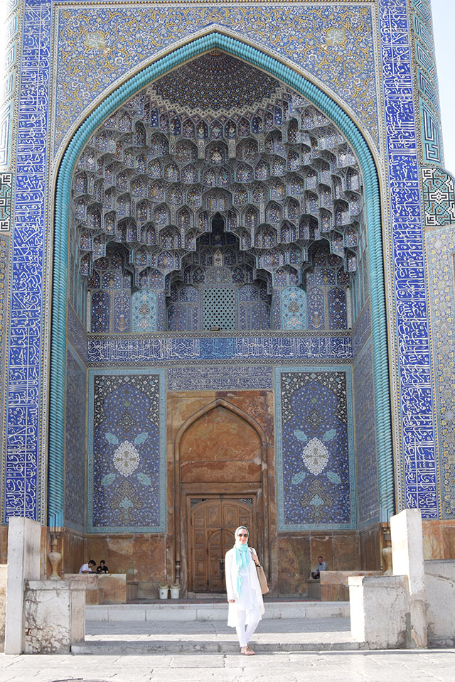 Iran Travel Blog-Isfahan Travel Blog-Naqsh-e Jahan Square-Shah Mosque-Ali Qapu-Travel Blogger