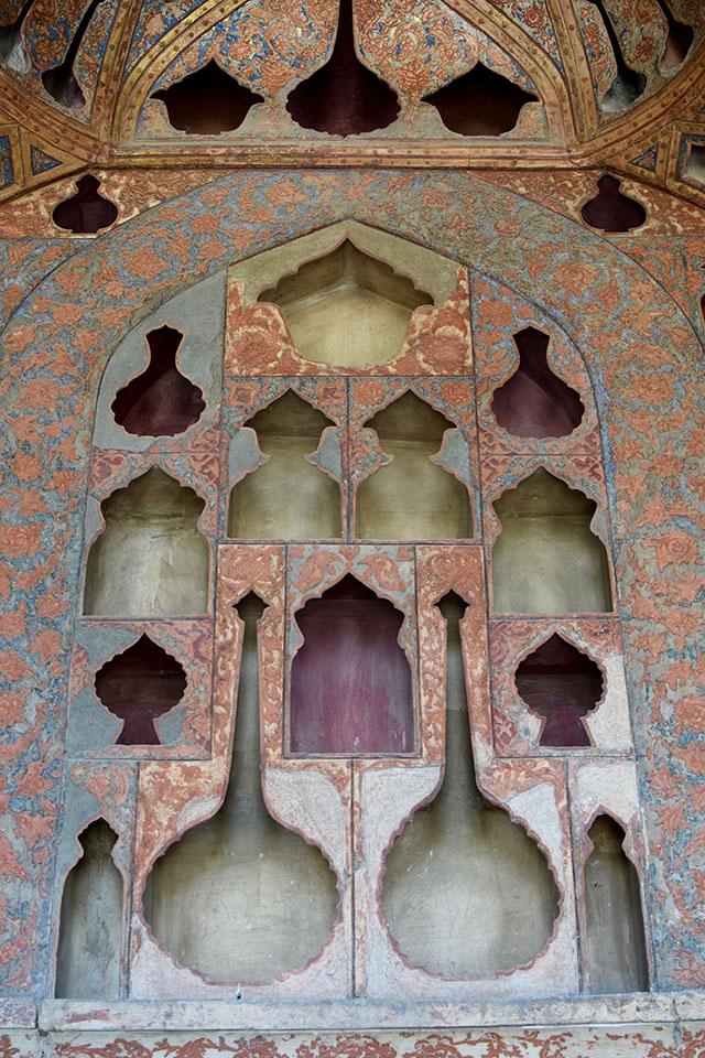 Iran Travel Blog-Isfahan Travel Blog-Naqsh-e Jahan Square-Shah Mosque-Ali Qapu-Travel Blogger