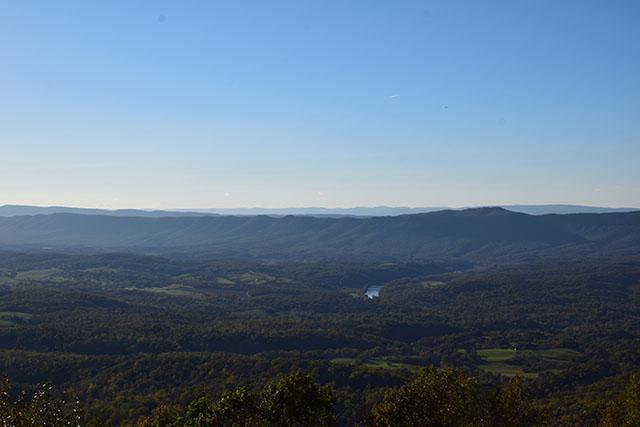 Fall Fashion - Shenandoah National Park - Autumn Drive - Virginia - Blogger Style - Park Style - Hijabi blogger - Fall foliage