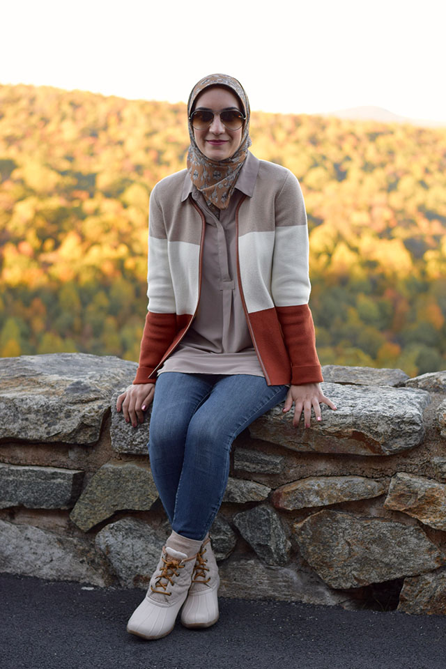 Fall Fashion - Shenandoah National Park - Autumn Drive - Virginia - Blogger Style - Park Style - Hijabi blogger - Fall foliage