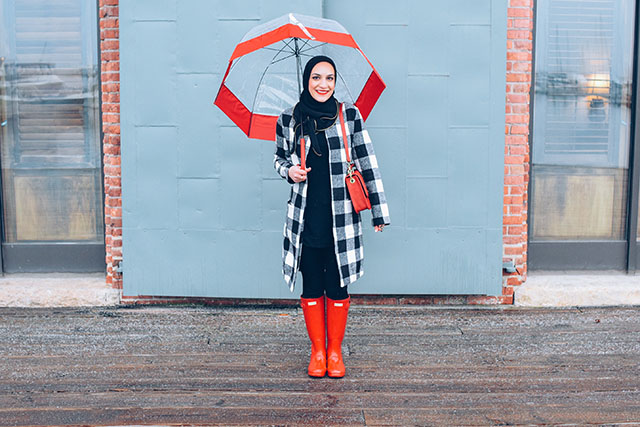 SheIn Coat-Banana Republic Sloan Pants-Vela-Red Hunter Boots-Hunter Umbrella-MAC Ruby Woo-Rainy Day Outfit-Red Wellies