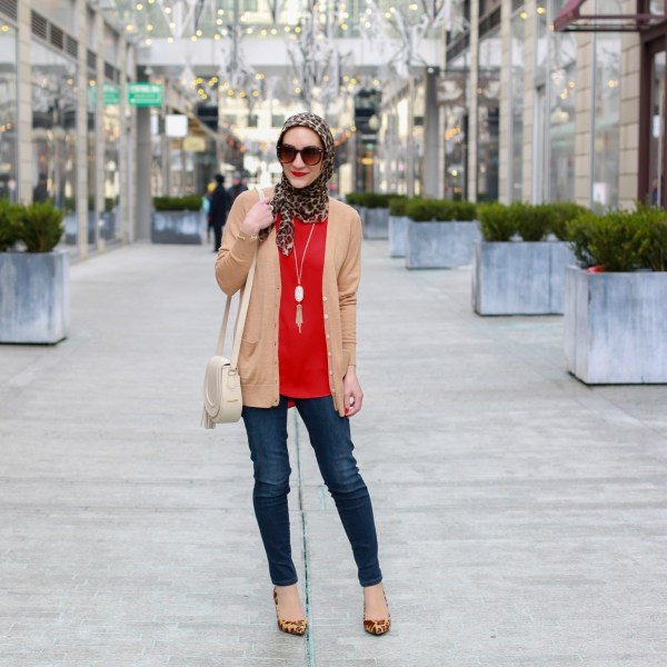 Casual Valentine's Day Look: Red & Leopard
