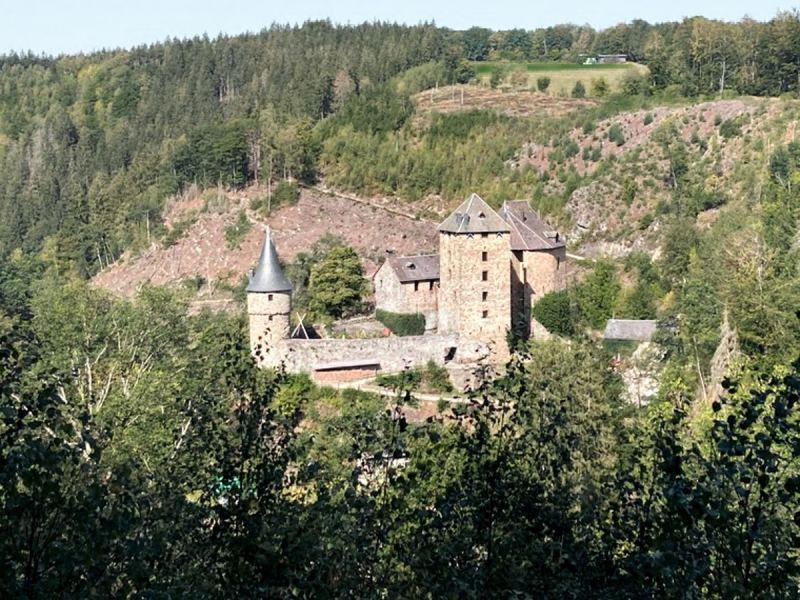 wandelingen in de omgeving van Malmedy - het kasteel van reinhardstein