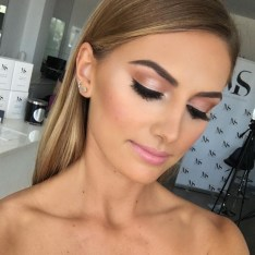 Best Natural Prom Makeup Ideas To Makes You Look Beautiful08