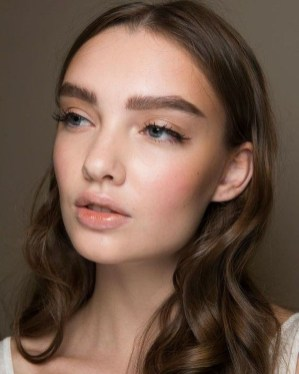 Best Natural Prom Makeup Ideas To Makes You Look Beautiful21