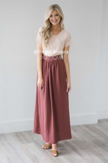 Cute Maxi Skirt Outfits To Impress Everybody14
