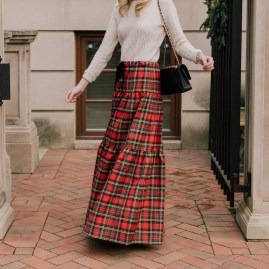 Cute Maxi Skirt Outfits To Impress Everybody27
