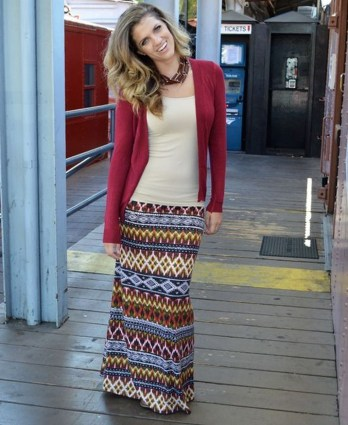 Cute Maxi Skirt Outfits To Impress Everybody34