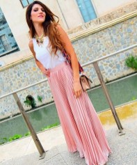 Cute Maxi Skirt Outfits To Impress Everybody35