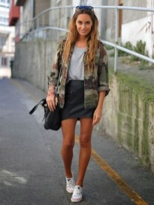 Modest But Classy Skirt Outfits Ideas Suitable For Fall22
