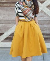 Modest But Classy Skirt Outfits Ideas Suitable For Fall34
