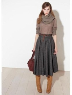 Modest But Classy Skirt Outfits Ideas Suitable For Fall41