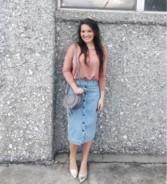 Modest But Classy Skirt Outfits Ideas Suitable For Fall42