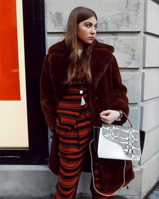 Amazing Winter Outfit Ideas For Women06