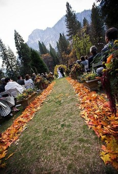 Awesome Outdoor Fall Wedding Tips Ideas35