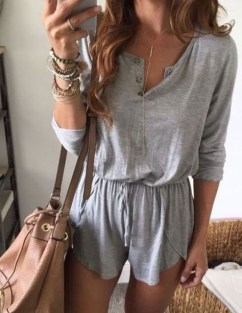 Charming Summer Outfits Ideas To Copy Right Now05