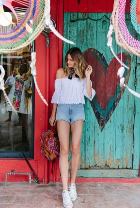 Charming Summer Outfits Ideas To Copy Right Now07