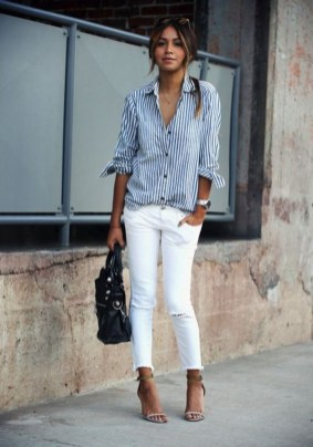 Charming Summer Outfits Ideas To Copy Right Now15