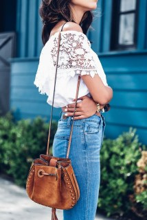 Charming Summer Outfits Ideas To Copy Right Now28