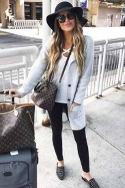 Classic And Casual Airport Outfit Ideas03