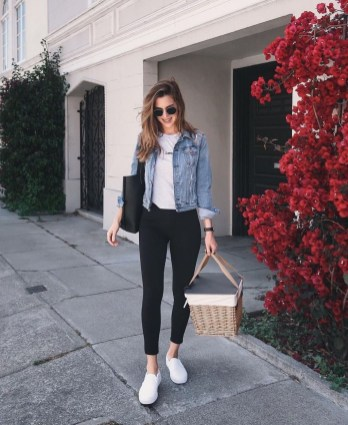 Classic And Casual Airport Outfit Ideas12