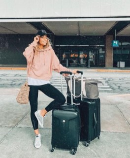 Classic And Casual Airport Outfit Ideas23