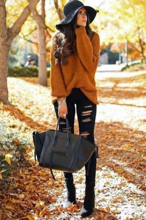 Fabulous And Fashionable School Outfit Ideas For College Girls43