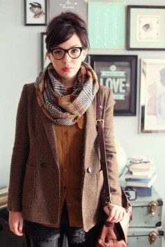 Unique Ways To Wear A Cardigan This Fall16