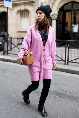 Unique Ways To Wear A Cardigan This Fall33