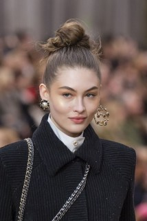Wonderful Ways Wear Bun Fall Ideas10