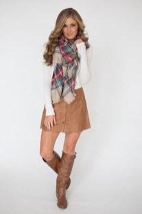 Adorable Winter Outfits Ideas Boots Skirts02