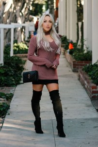 Adorable Winter Outfits Ideas Boots Skirts10