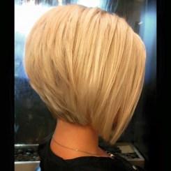 Charming Graduate Bob Haircut Ideas18
