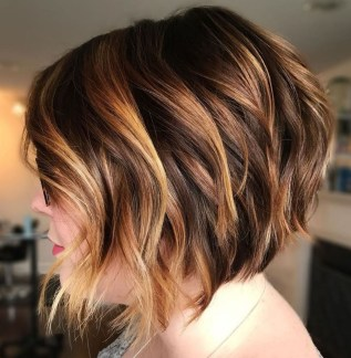 Cute Layered Bob Hairstyles Ideas30