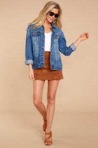 Delightful Winter Outfits Ideas Denim Jacket15