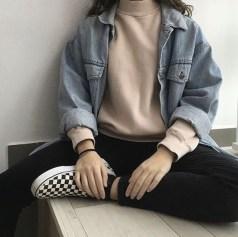 Delightful Winter Outfits Ideas Denim Jacket18