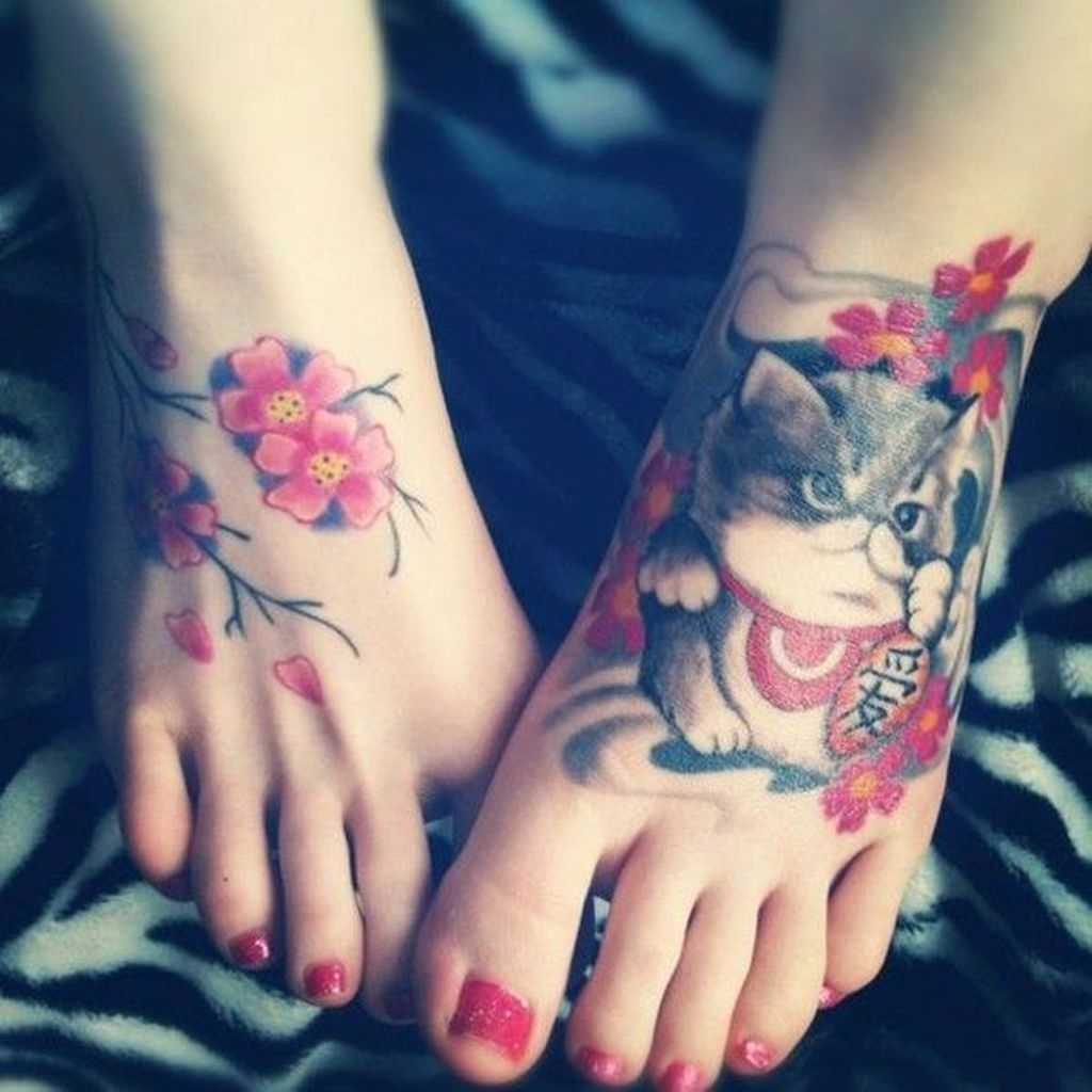 Lovely Foot Tattoo Ideas For Girls02