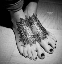 Lovely Foot Tattoo Ideas For Girls07