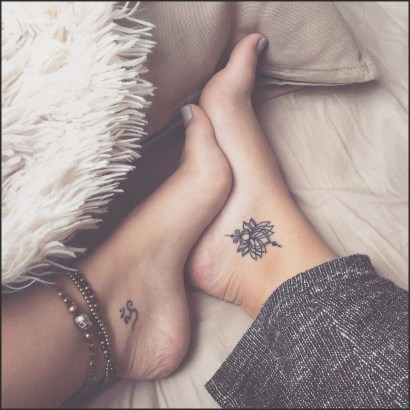 Lovely Foot Tattoo Ideas For Girls22