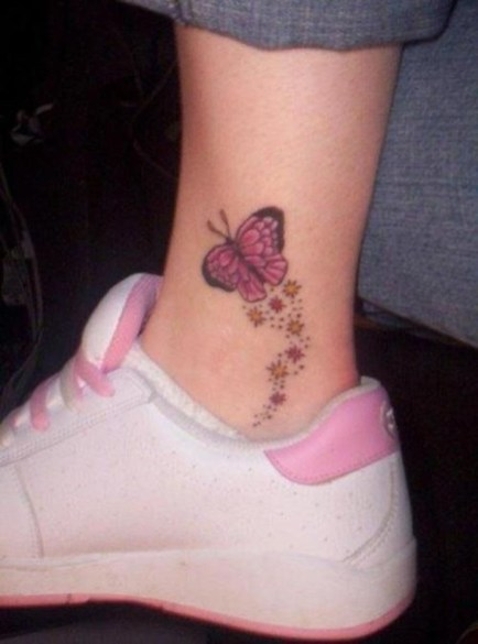 Lovely Foot Tattoo Ideas For Girls43