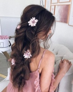 Perfect Wedding Hairstyles Ideas For Long Hair28