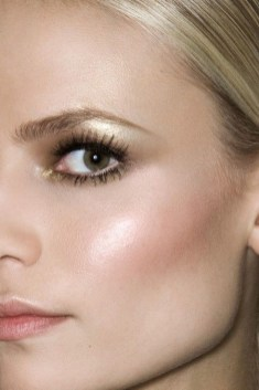 Popular Shimmer Summer Makeup Ideas07