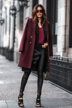 Popular Winter Outfits Ideas Leather Leggings17