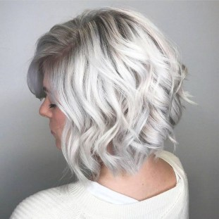 Pretty Grey Hairstyle Ideas For Women07