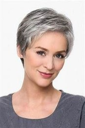 Pretty Grey Hairstyle Ideas For Women27