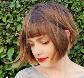 Pretty Hairstyle With Bangs Ideas12