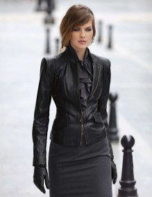 Pretty Winter Outfits Ideas Black Leather Jacket05