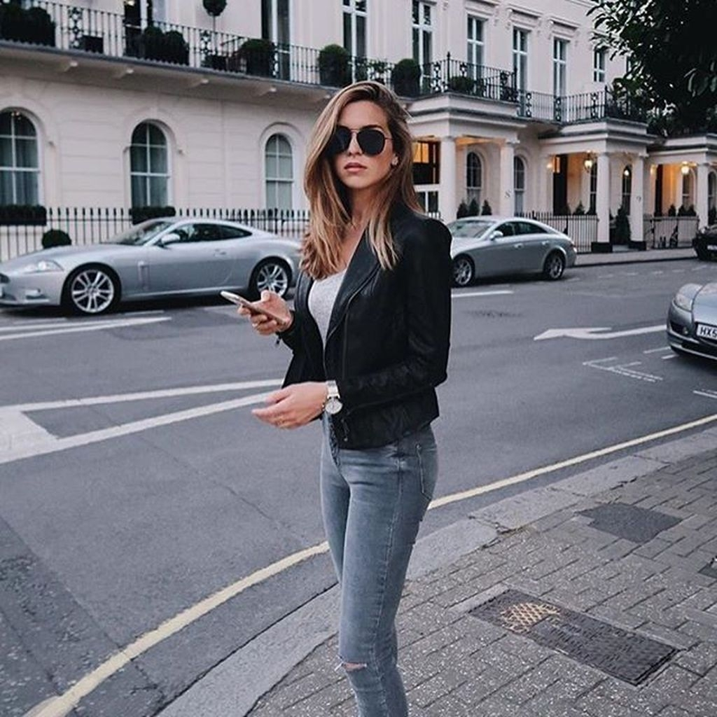 Pretty Winter Outfits Ideas Black Leather Jacket10