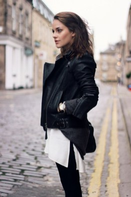 Pretty Winter Outfits Ideas Black Leather Jacket15